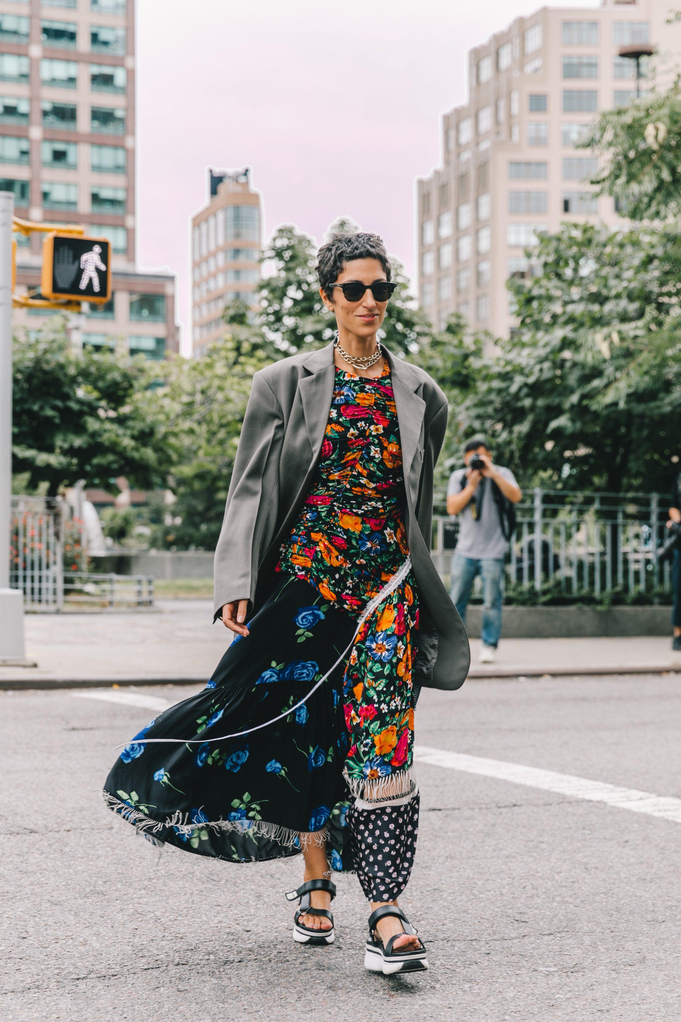 fashionista đầm hoa blazer tuần lễ thời trang new york