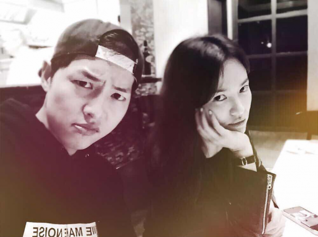 hình selfie song song couple