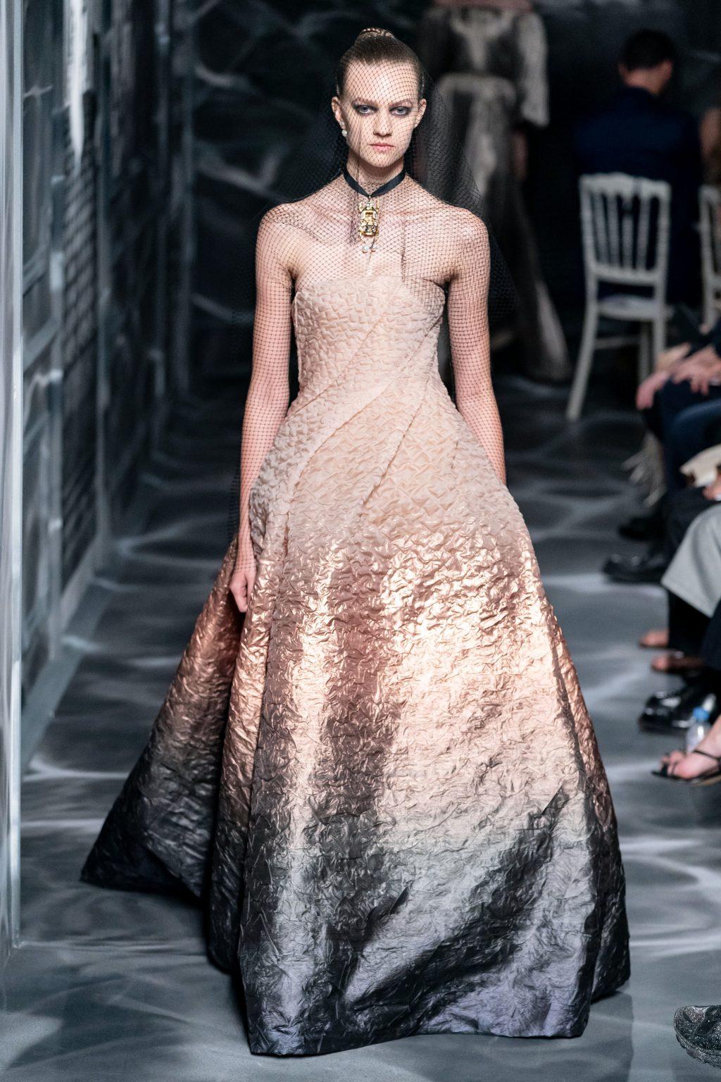 đầm màu sắc bộ sưu tập Dior Haute Couture Thu 2019
