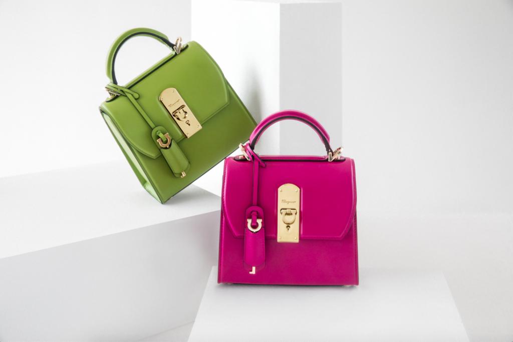 túi xách boxyz salvatore ferragamo màu xanh lá cây và màu hồng