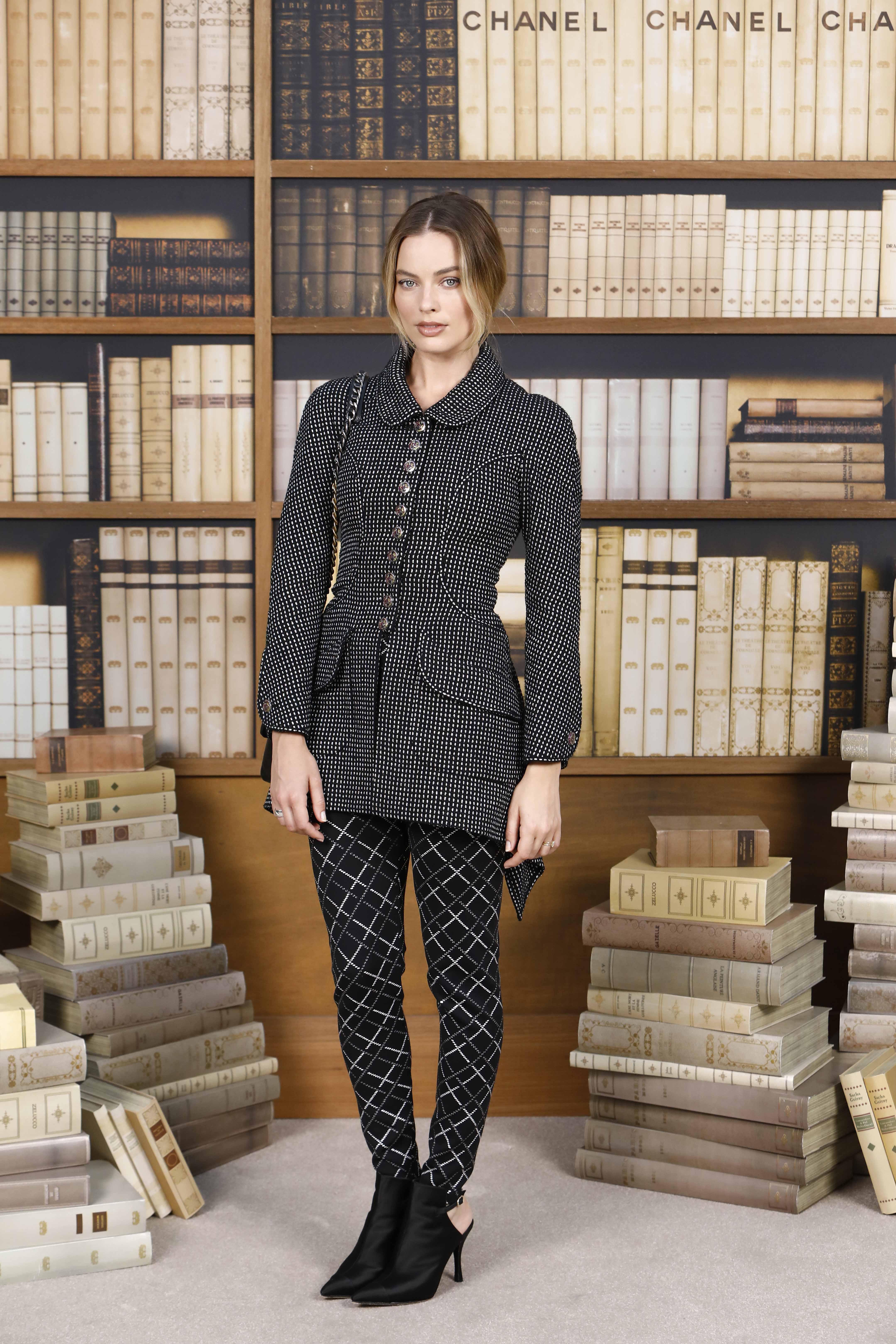 margot robbie tham dự buổi trình diễn Chanel Haute Couture 2019
