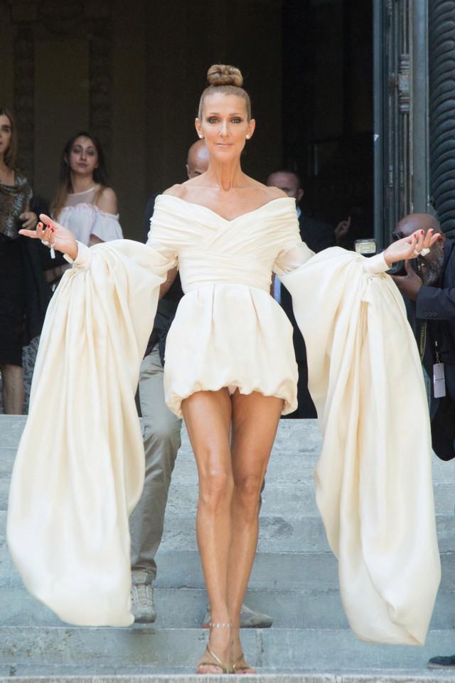 Céline Dion trong trang phục Alexandre Vauthier đến Paris Couture Fashion Week