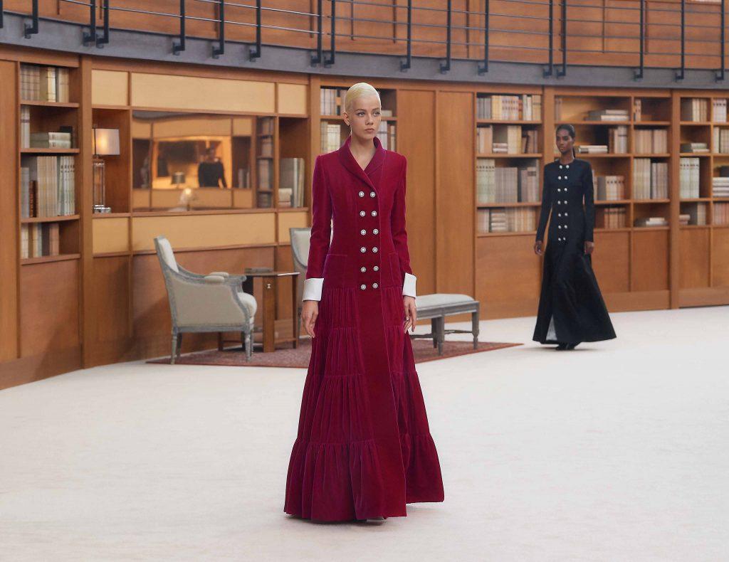 đầm đỏ dự tiệc bằng nhung chanel haute couture