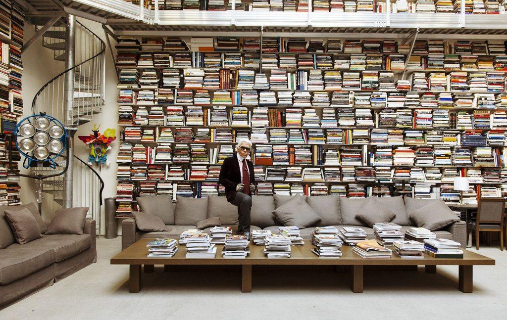 thư viện sách khổng lồ của karl lagerfeld