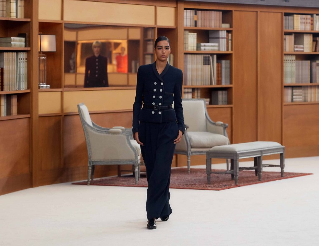 váy dài vải tweed chanel haute couture thu đông 2019 3