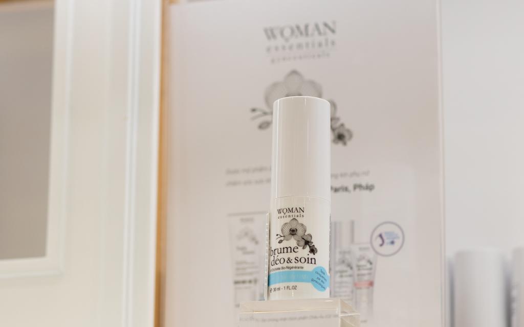 xịt khử mùi Woman Essentials