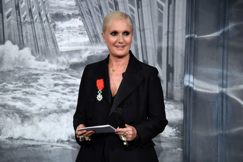 điểm tin thời trang maria chiuri nhận huân chương sự kiện cao quý