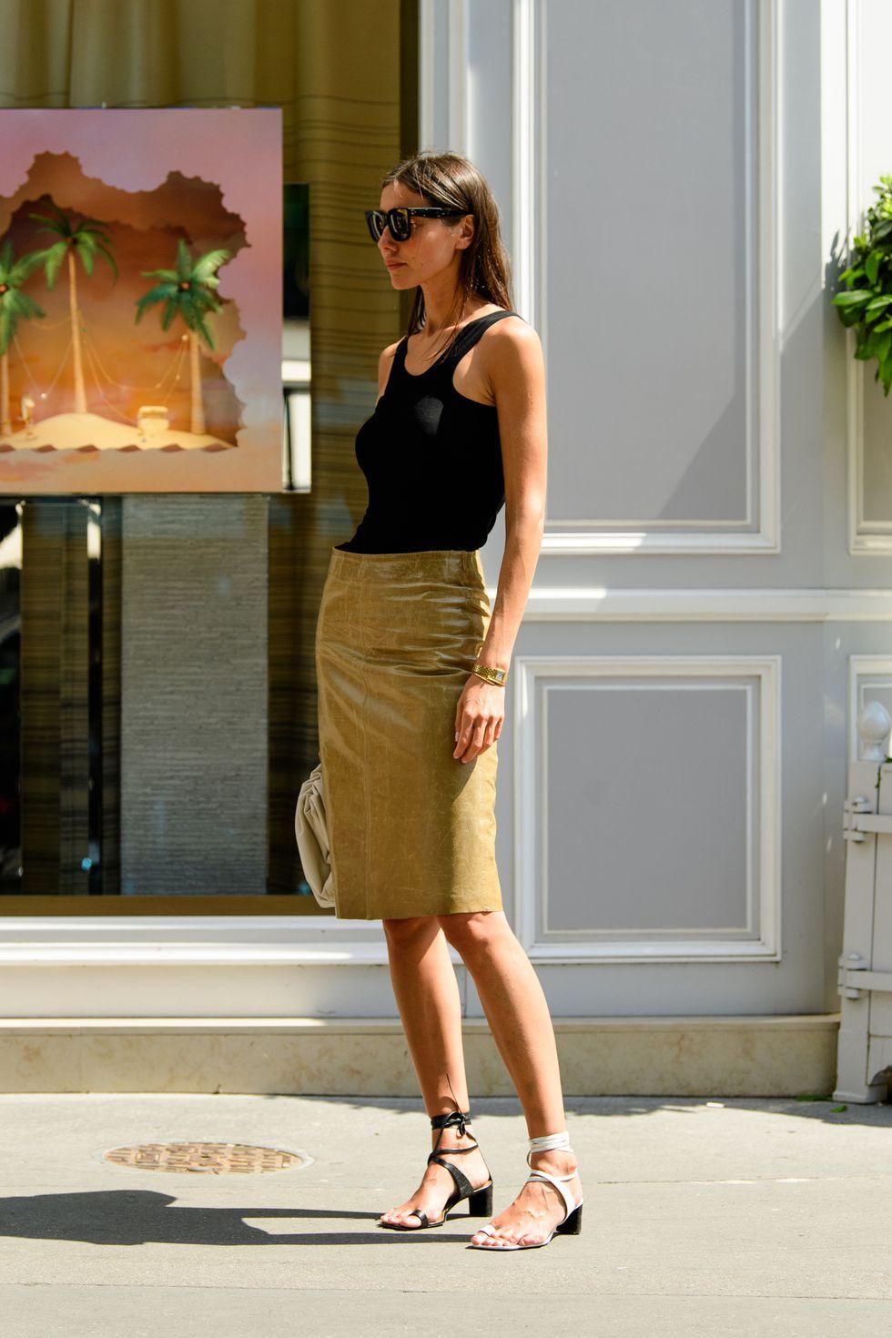 Kiểu giày độc lạ từ street style Paris Couture Week