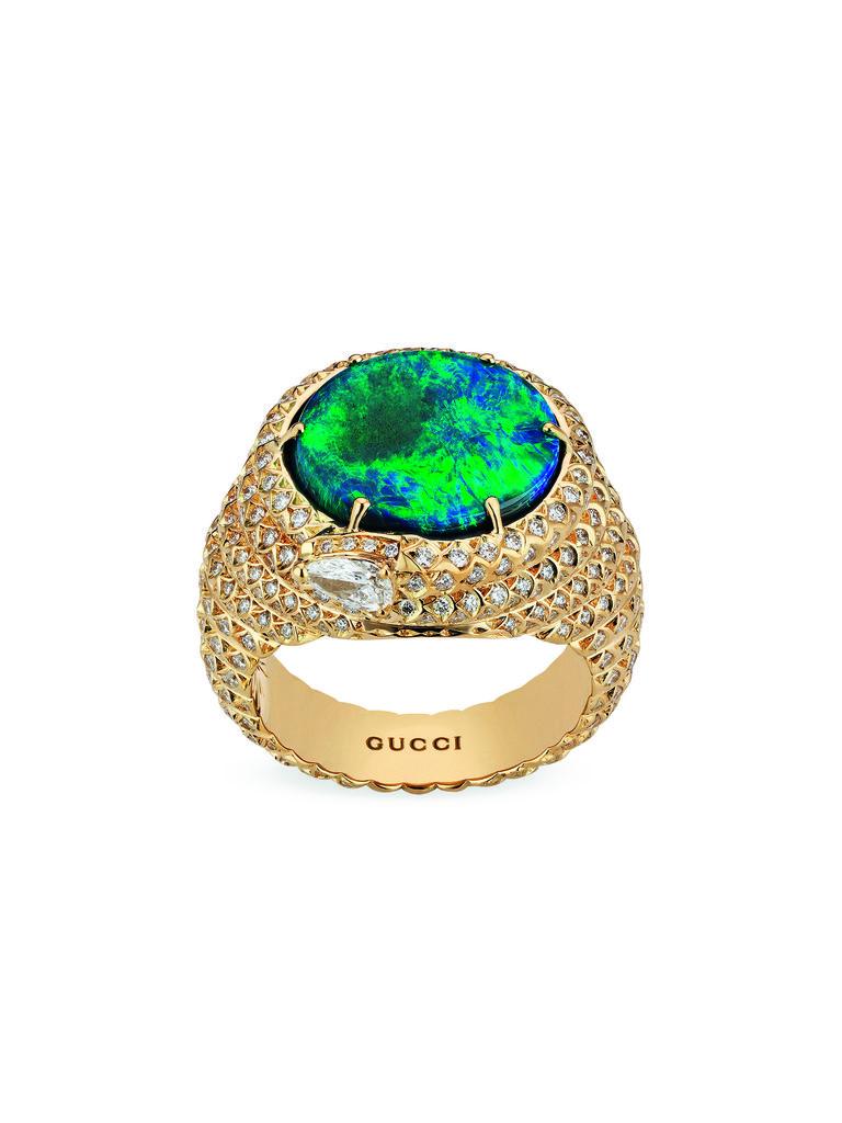 Nhẫn Gucci làm bằng vàng nguyên chất và đá ngọc lục bảo