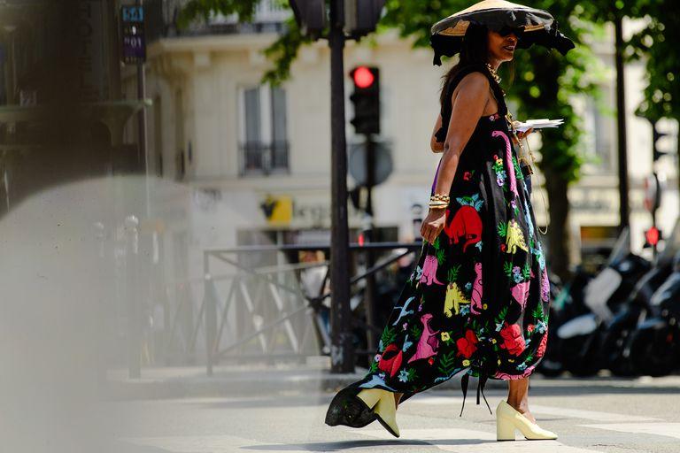Phụ kiện giày độc lạ từ Street Style Haute Couture Thu Đông 2019