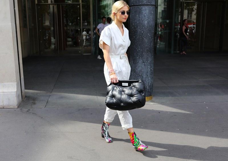 Phụ kiện túi xách độc lạ từ street style Paris Haute Couture Thu Đông 2019
