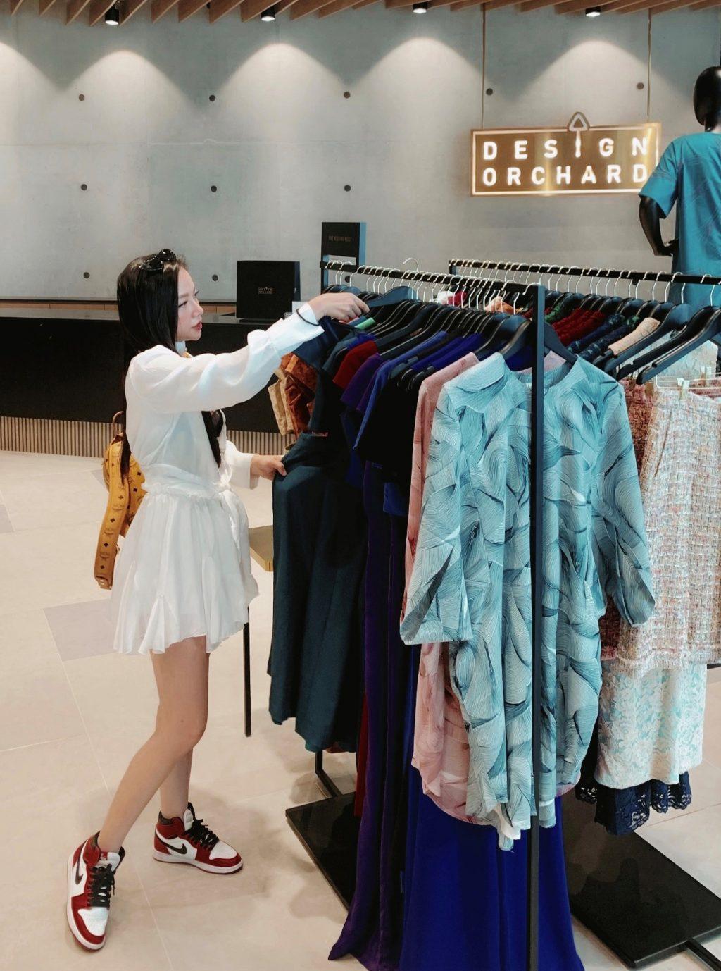 mua sắm singapore cùng băng di tại design orchard