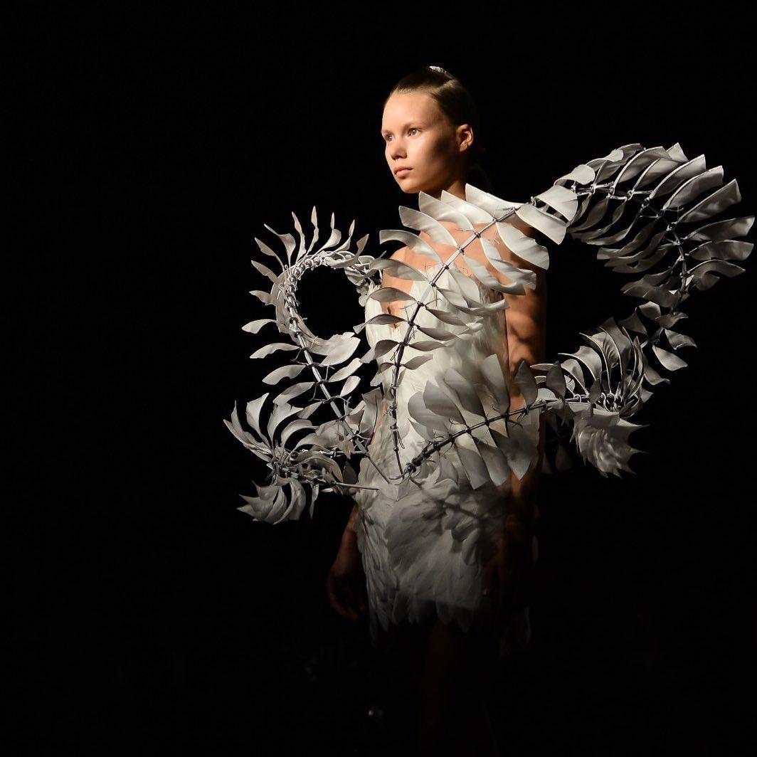 bộ sưu tập haute couture iris van herpen 3