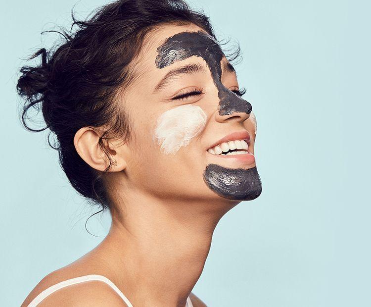 cô gái mặt nạ thải độc da