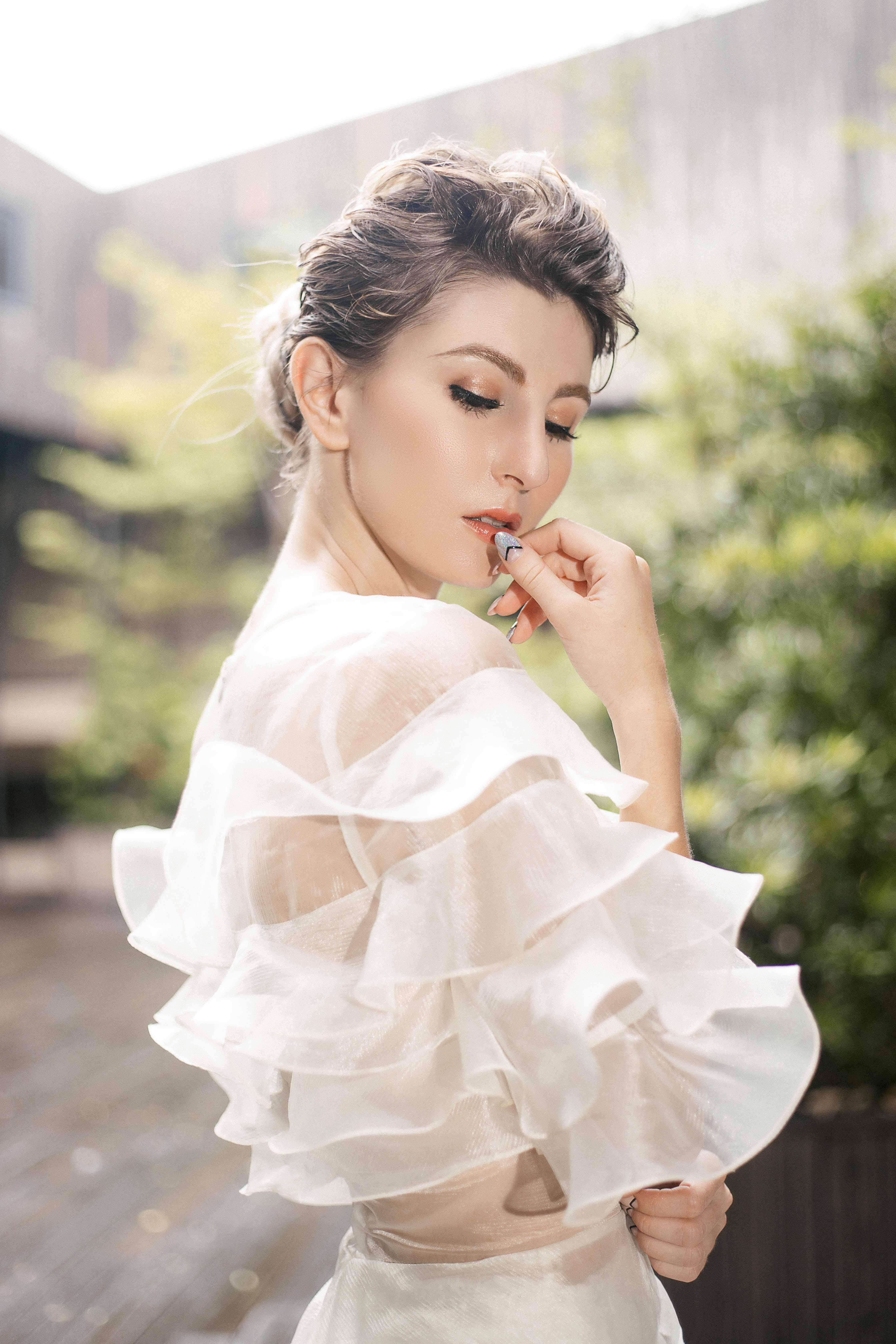 váy cưới Lý Quý Khánh - quà cưới từ GEM Center 2