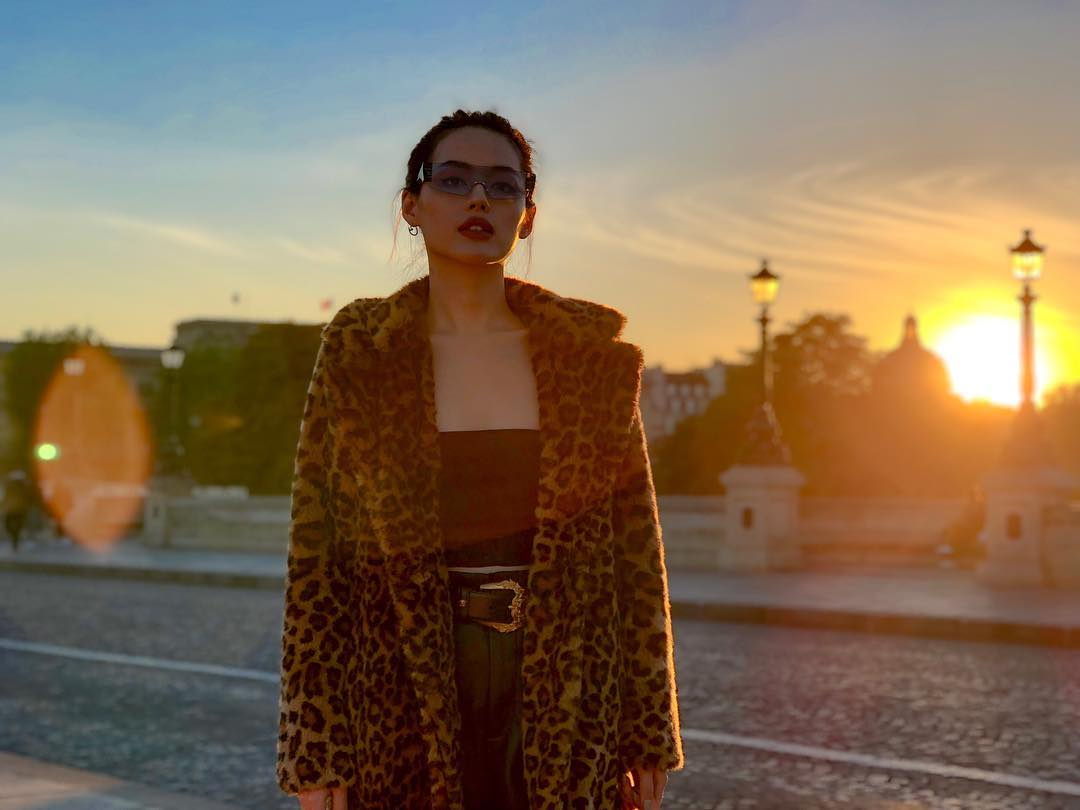 Trang phục du lịch Đà Lạt - Khánh Linh diện áo khoác lông