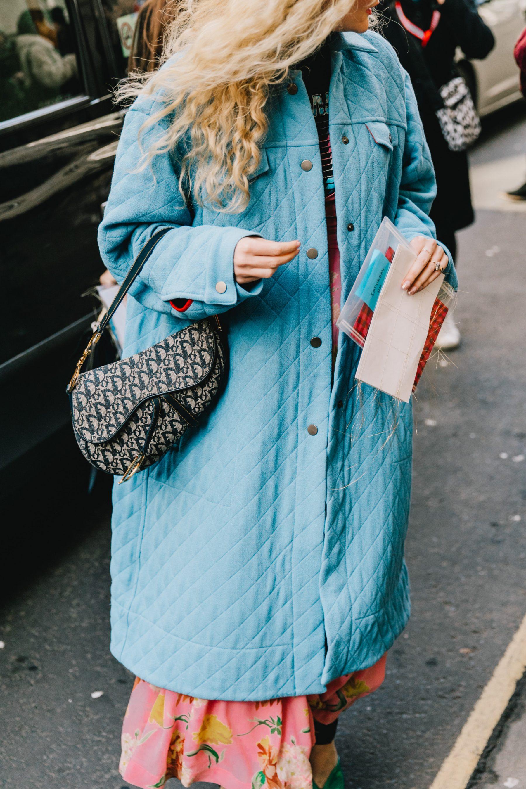túi xách dior saddle bag áo khoác xanh baby london