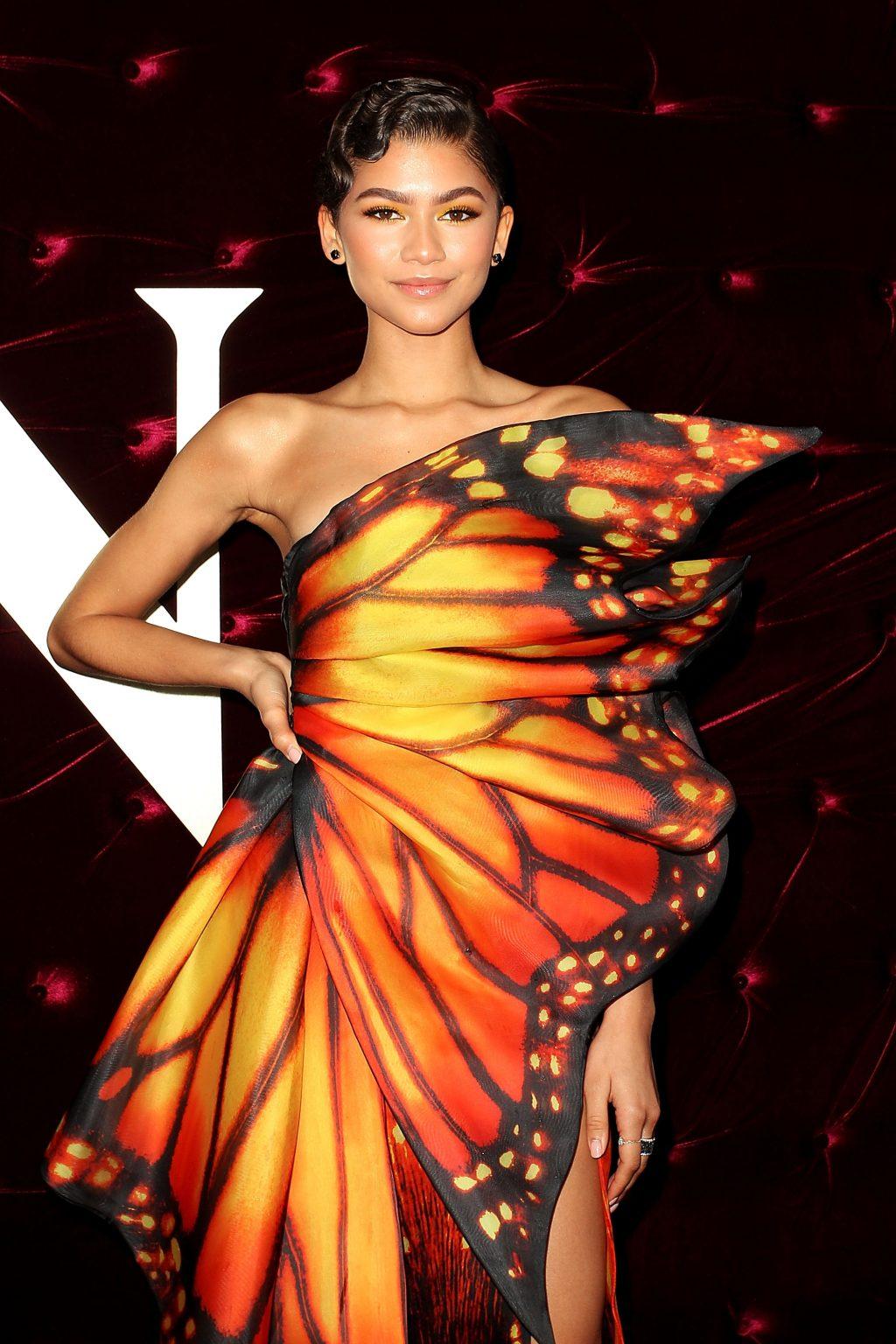 Phong cách thời trang Zendaya diện váy hình bướm lên thảm đỏ