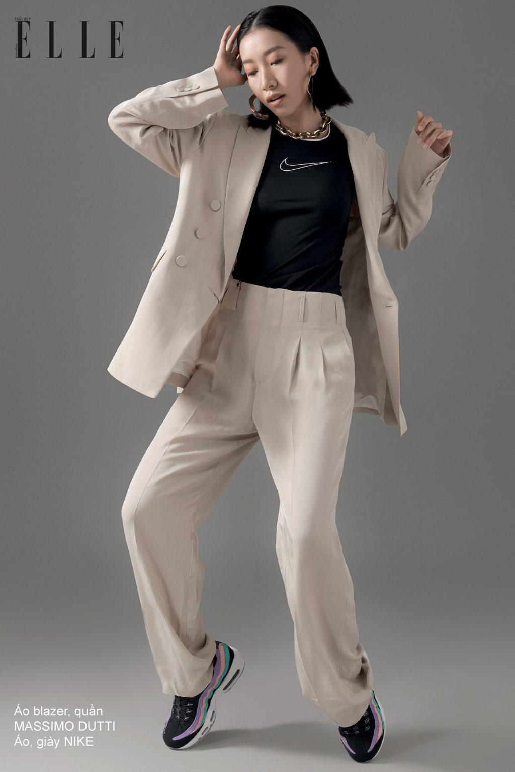 phong cách thể thao với suit và áo phông nike