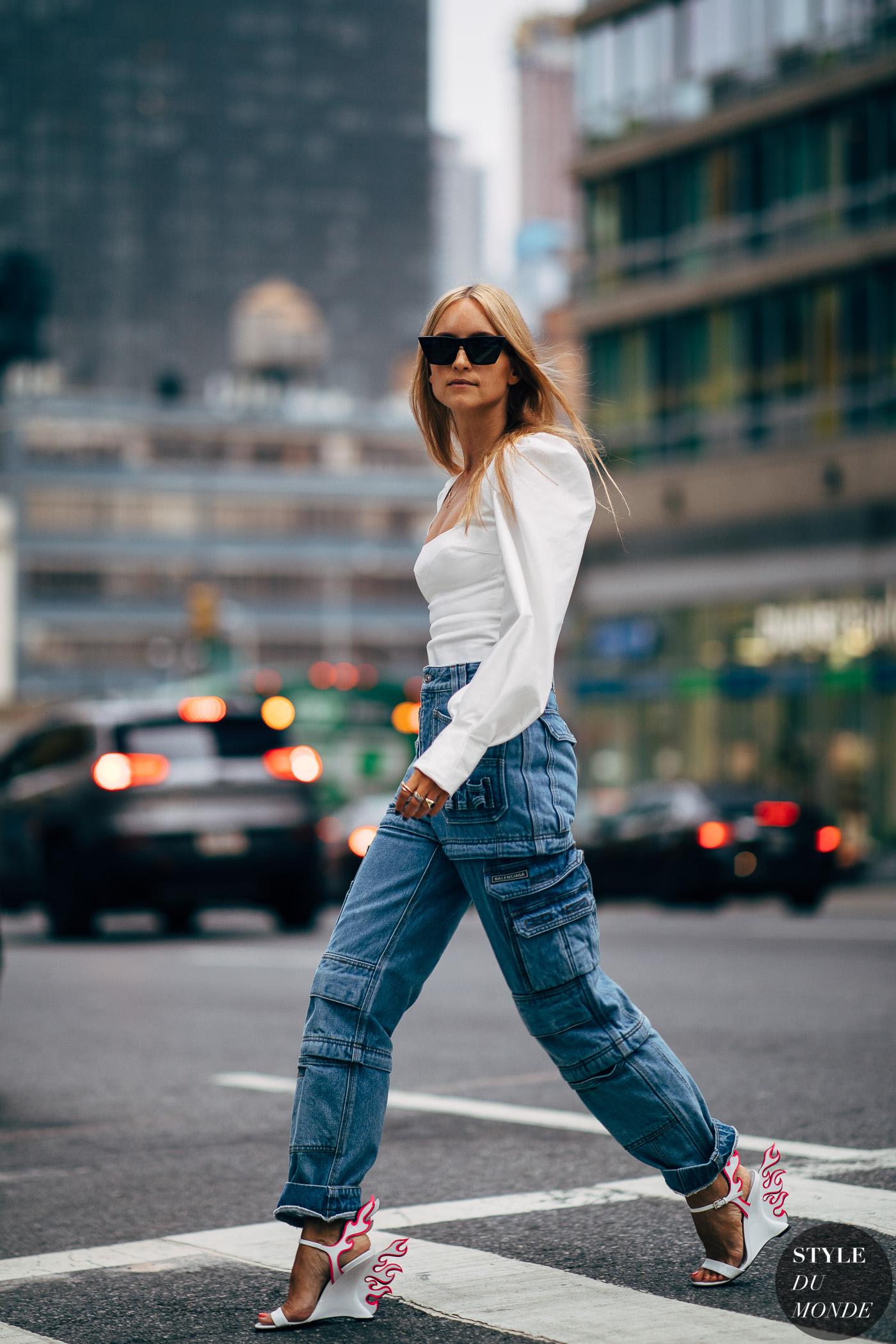 giày cao gót tia lửa prada áo blouse quần jeans