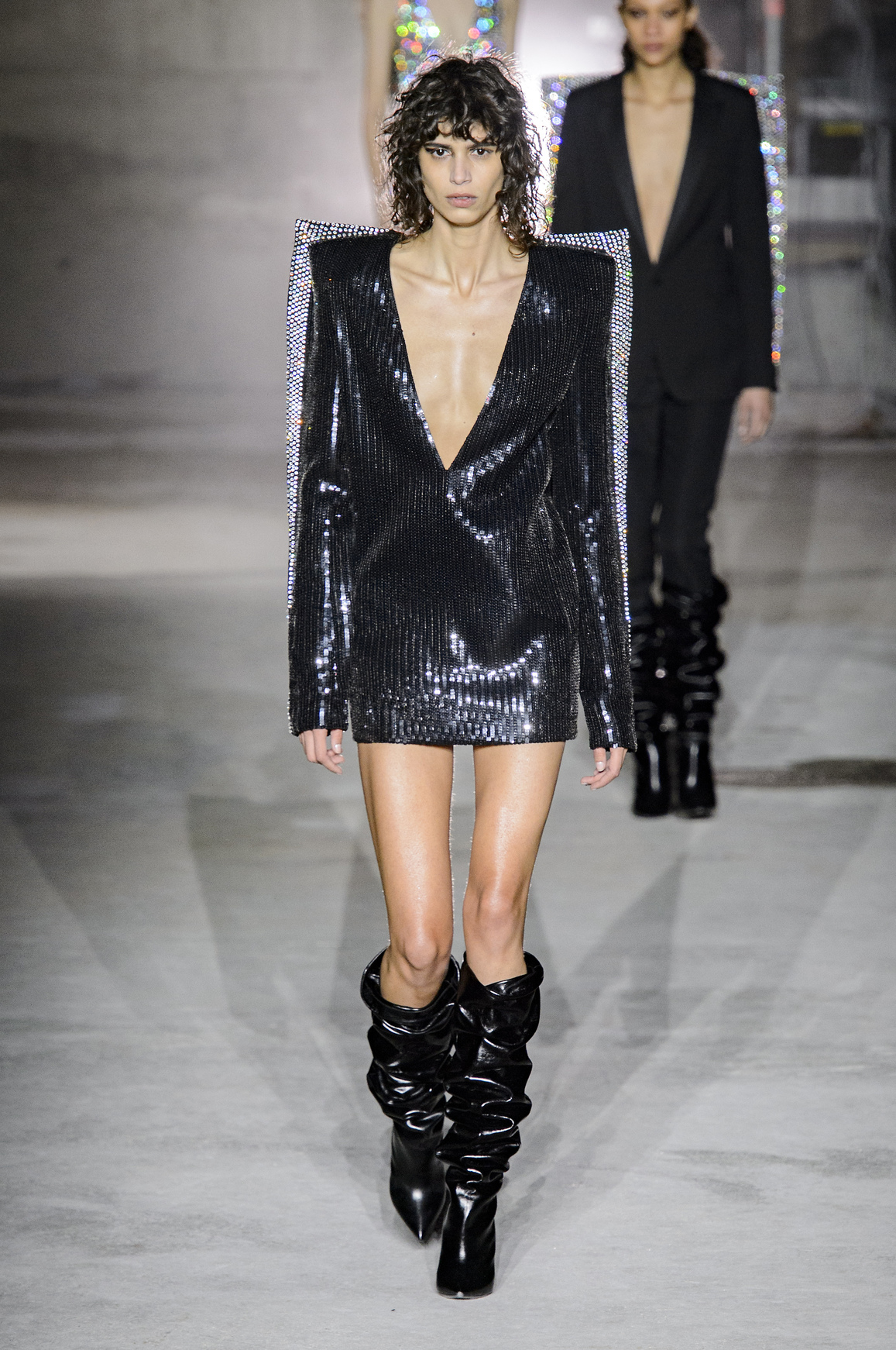 Thiết kế Saint Laurent trùngg cảm hứng với Gossip Girls