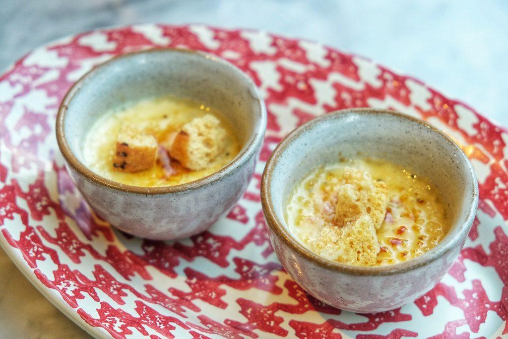 Crème brulee thưởng trà