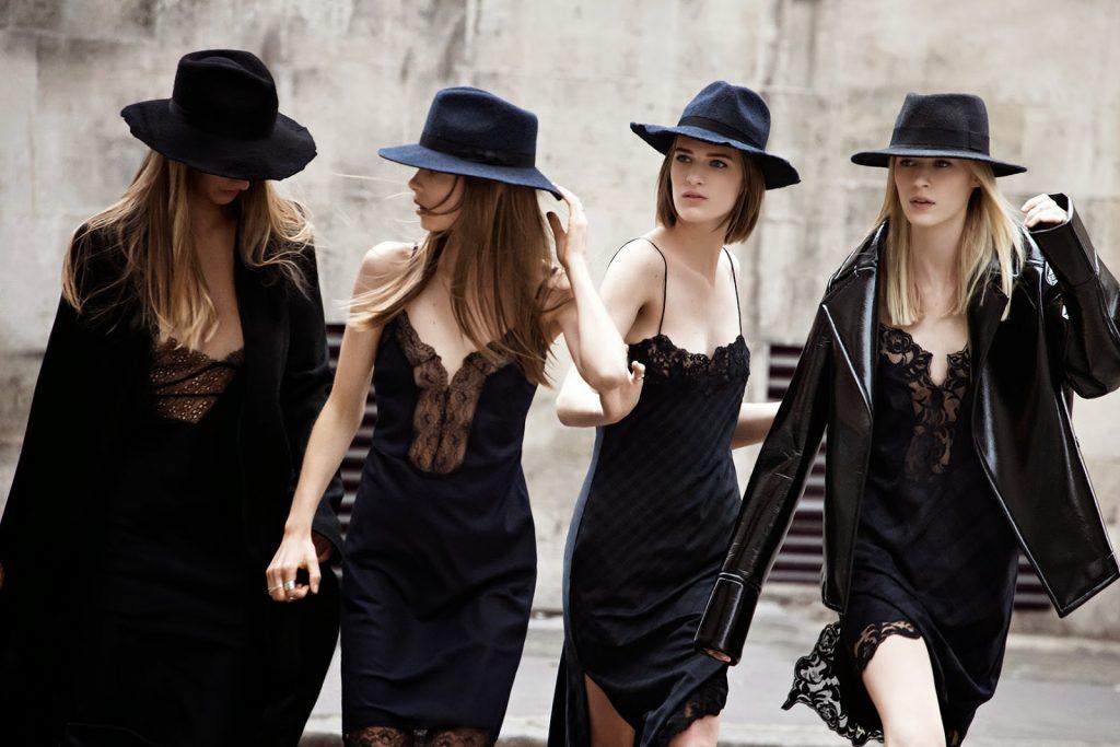 cách phối đồ với slip dress lụa màu đen