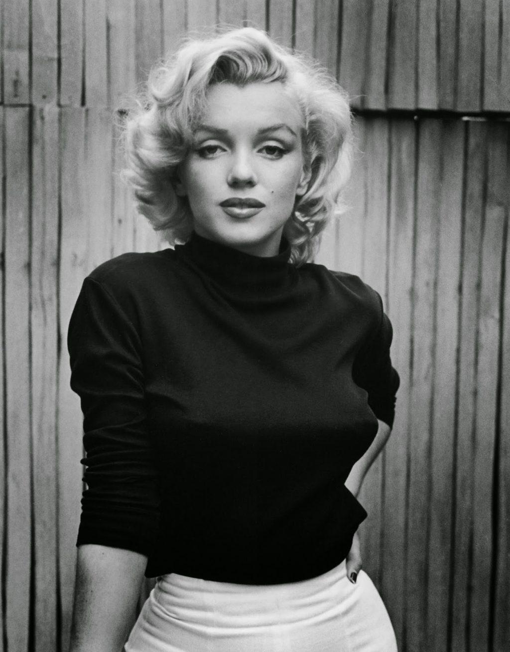 Marilyn Monroe trong trang phục thời trang Mỹ