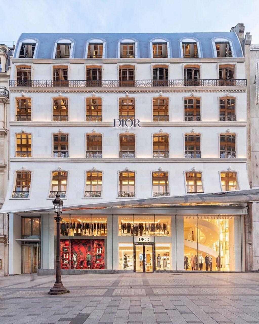 Cửa hiệu mới khai trương của dior tại Champs- Elysées