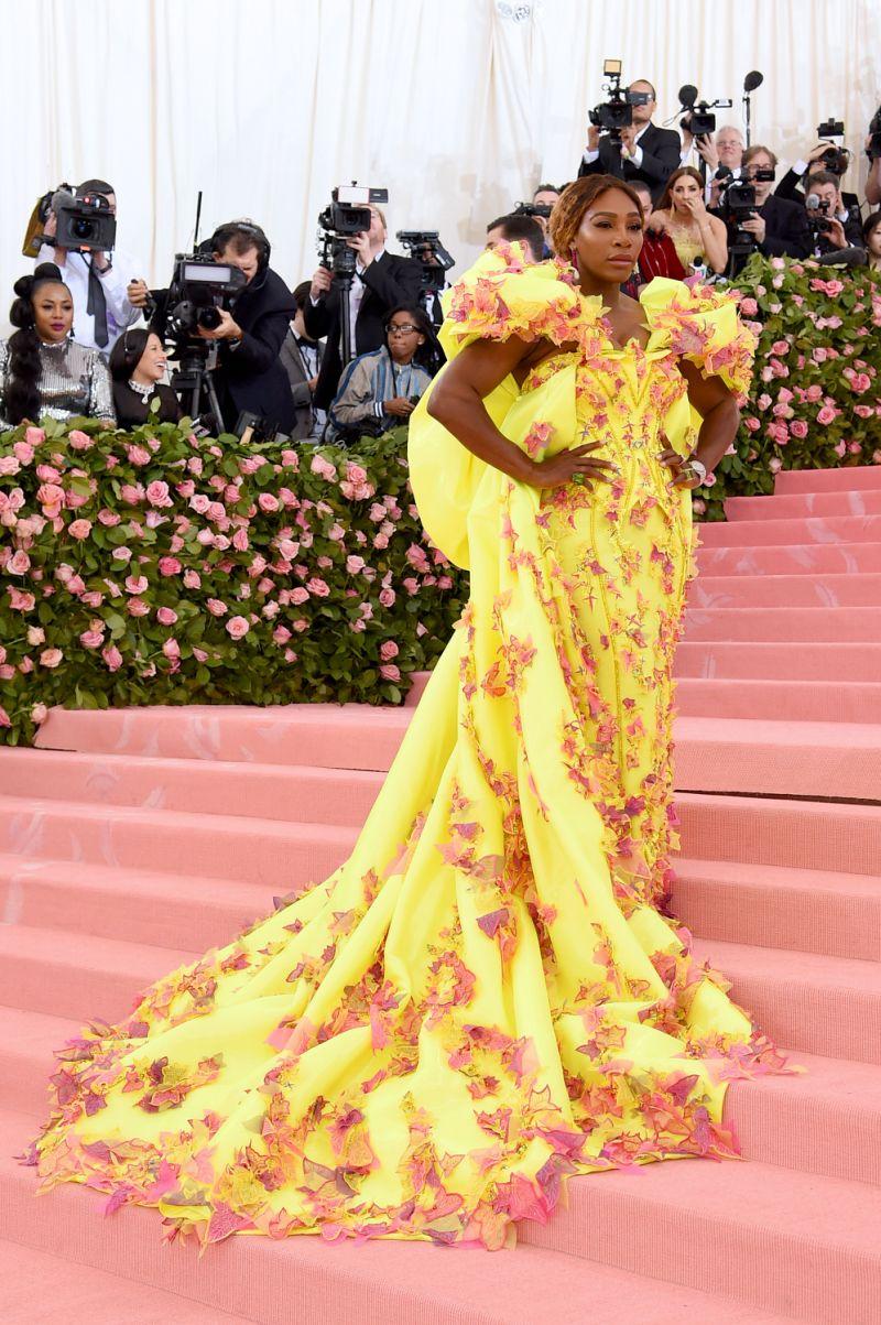 Serena Williams diện trang phục của thương hiệu Versace tại Met Gala 2019.