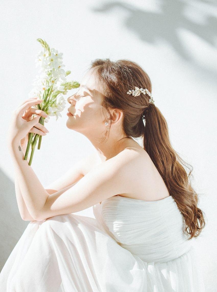 xịt thơm toàn thân - cô gái đẹp 01