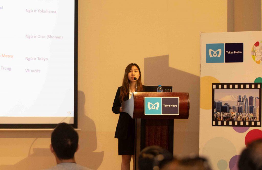 đại diện công ty du lịch sông Hàn phát biểu