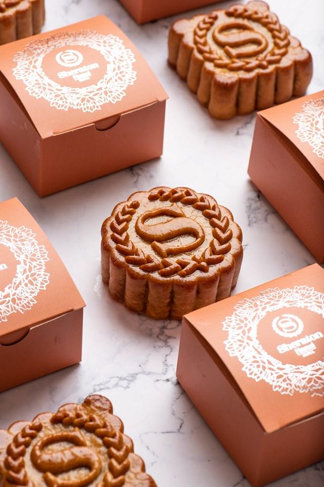Mùa trăng này, hãy để Bánh Trung thu Sheraton trở thành sứ giả mang những lời chúc ý nghĩa tới người được trao nhận.