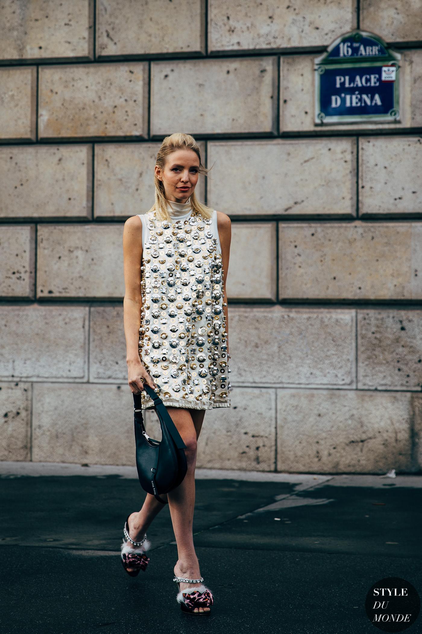 đầm mini sequin leonie hanne tuần lễ thời trang paris