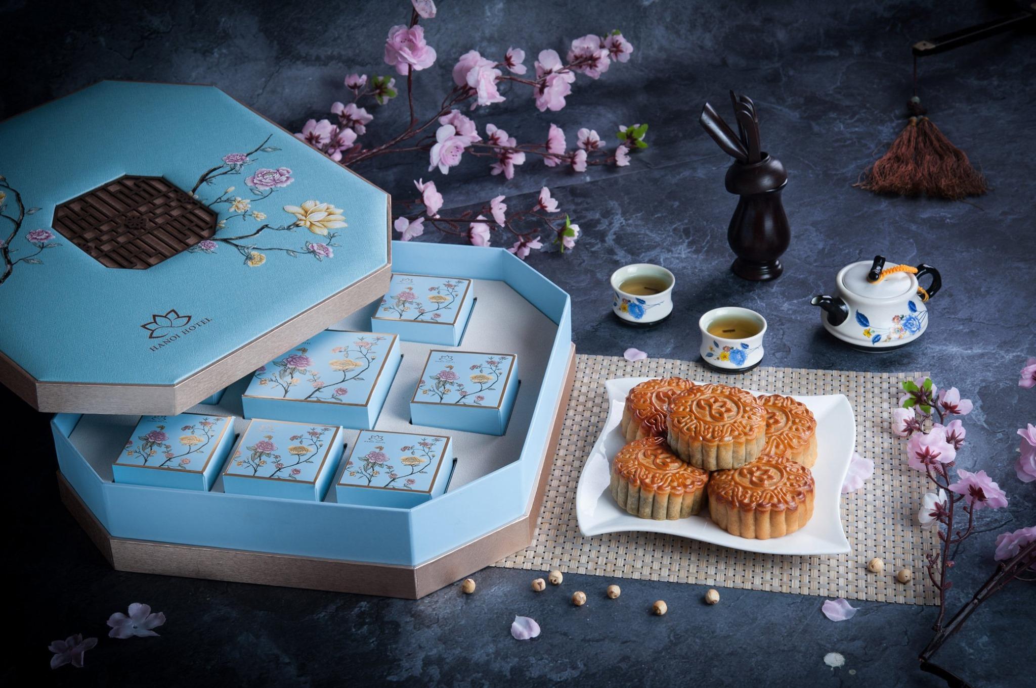 Màu xanh Tiffany duyên dáng của BST bánh Exquisite