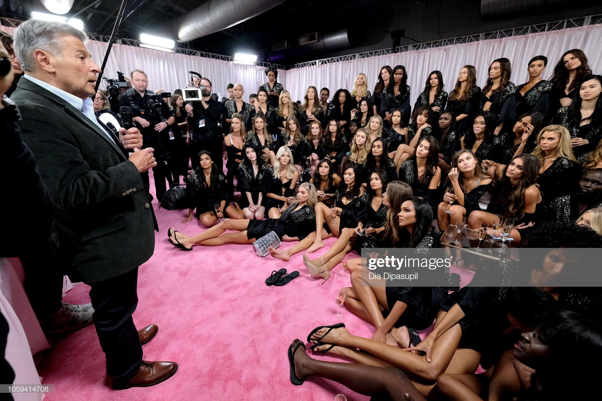 Ed Razek trong hậu trường Victoria's Secret Fashion Show 2018
