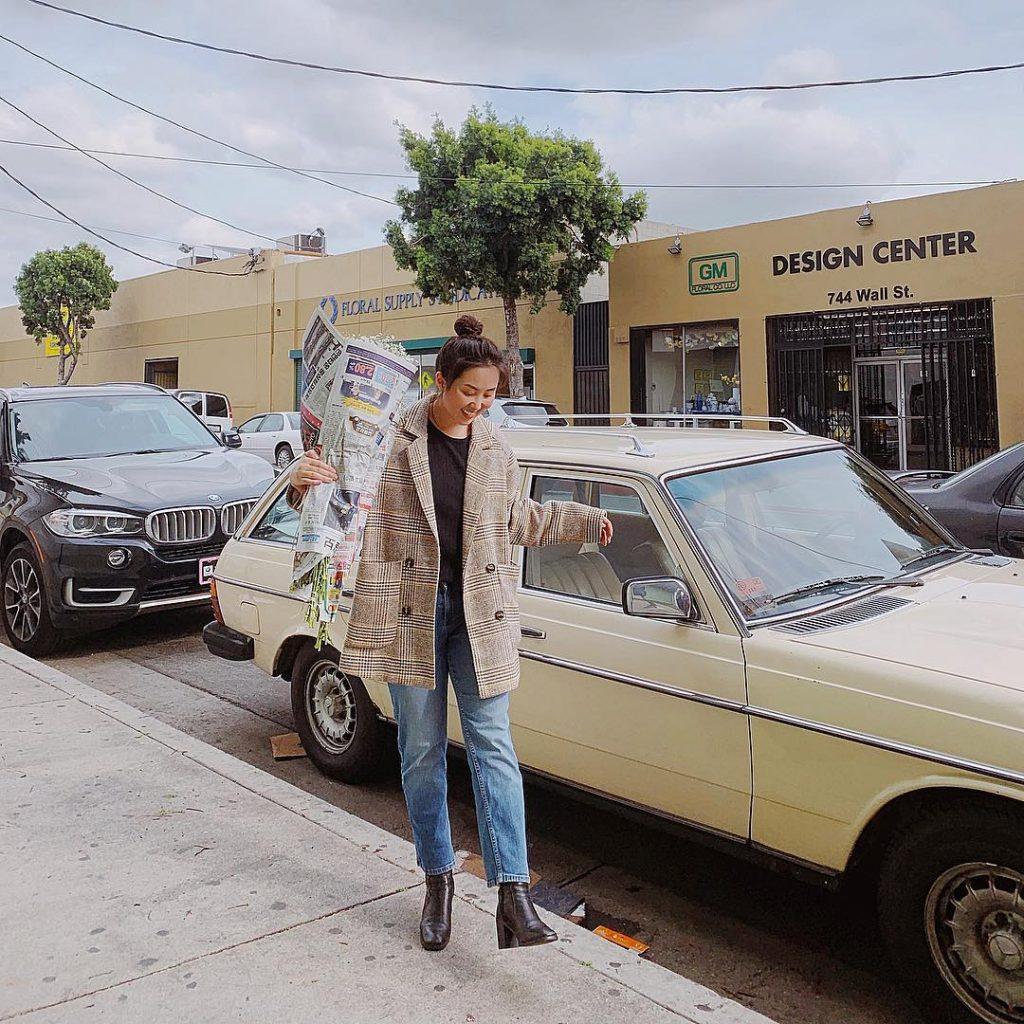 áo khoác blazer phối với quần jeans