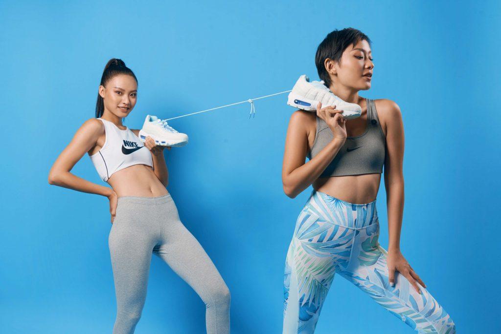phối đồ phong cách thể thao với giày sneakers nike 3