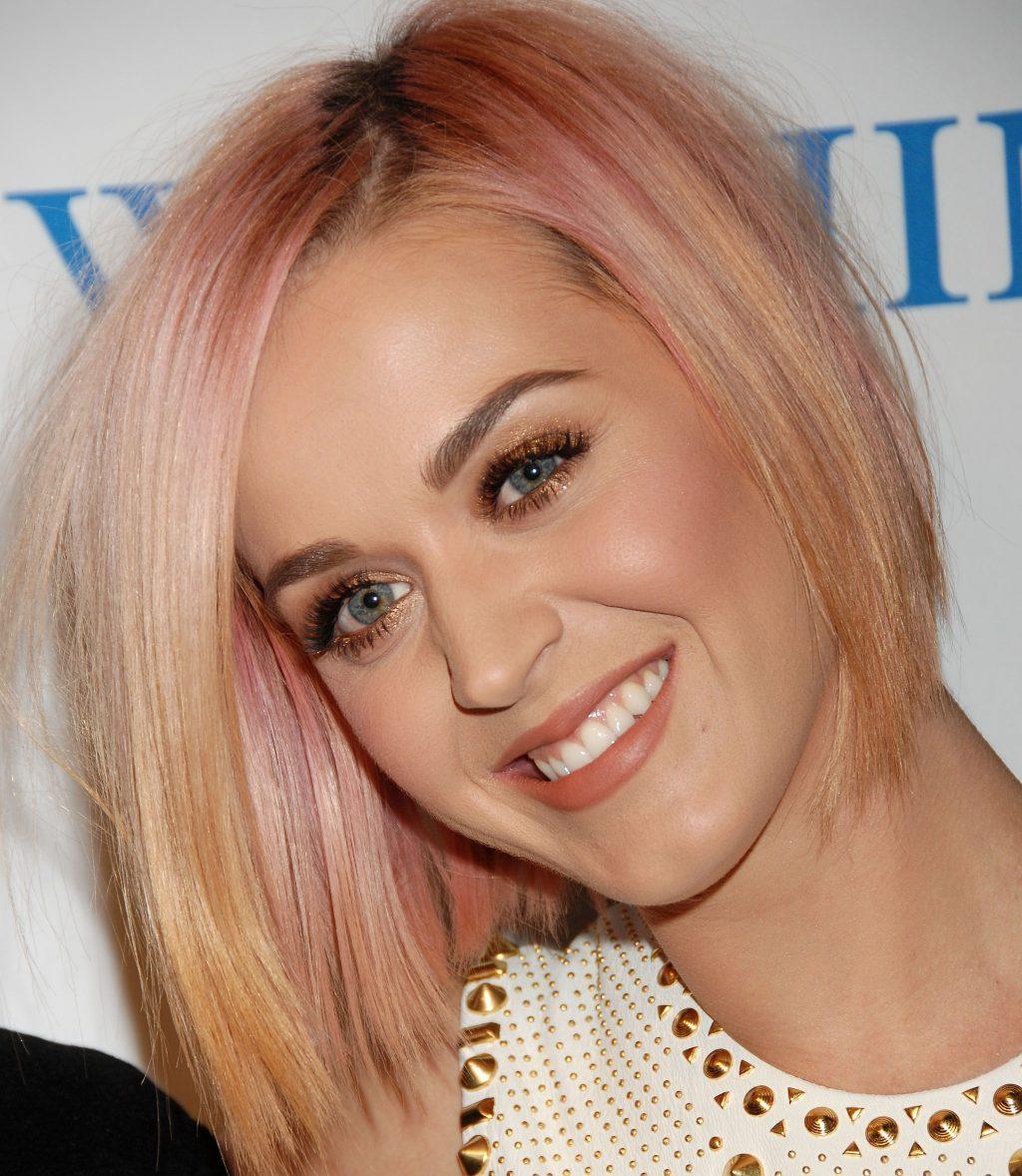 tạo kiểu cho tóc mỏng như Katy Perry