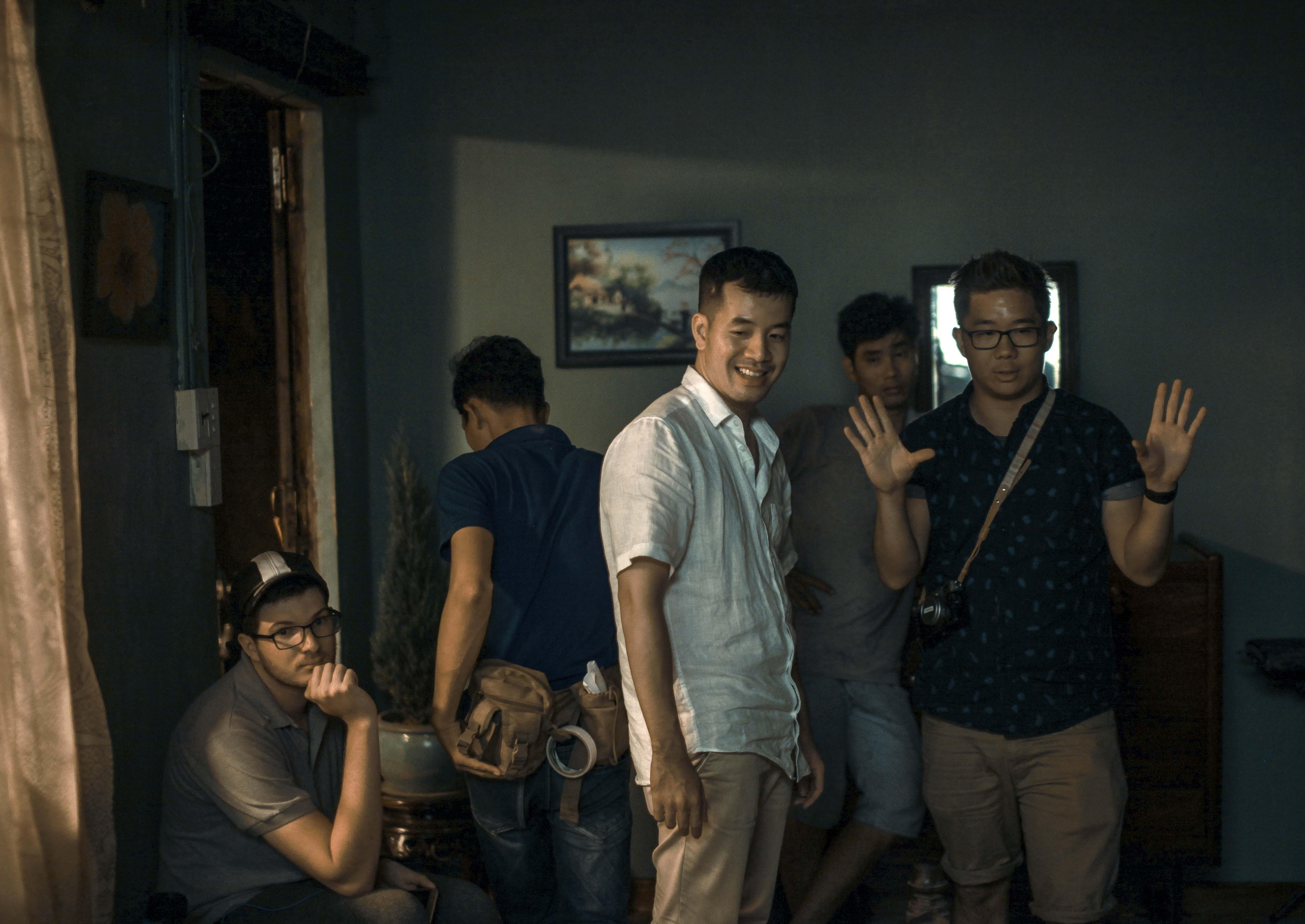 đạo diễn Trịnh Đình Lê Minh trong phim Thưa mẹ con đi