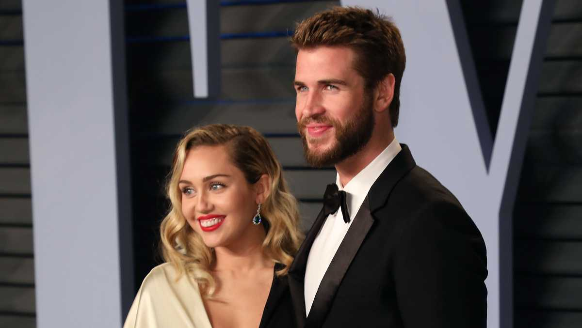 miley cyrus va liam hemsworth