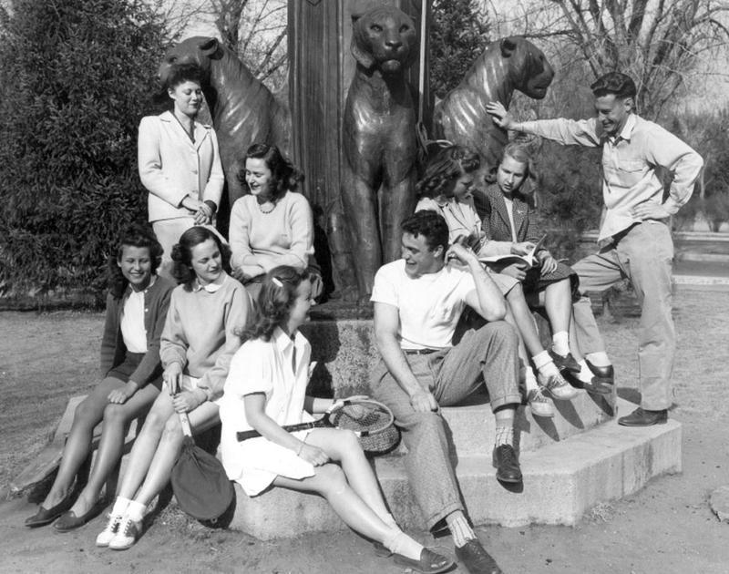 Gia đình tổng thống Mỹ Kennedy với phong cách Preppy.