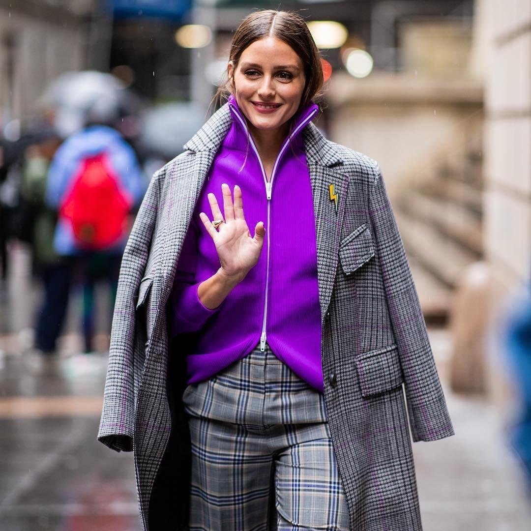 olivia palermo macwjc áo hoodie màu tím và suit kẻ ô