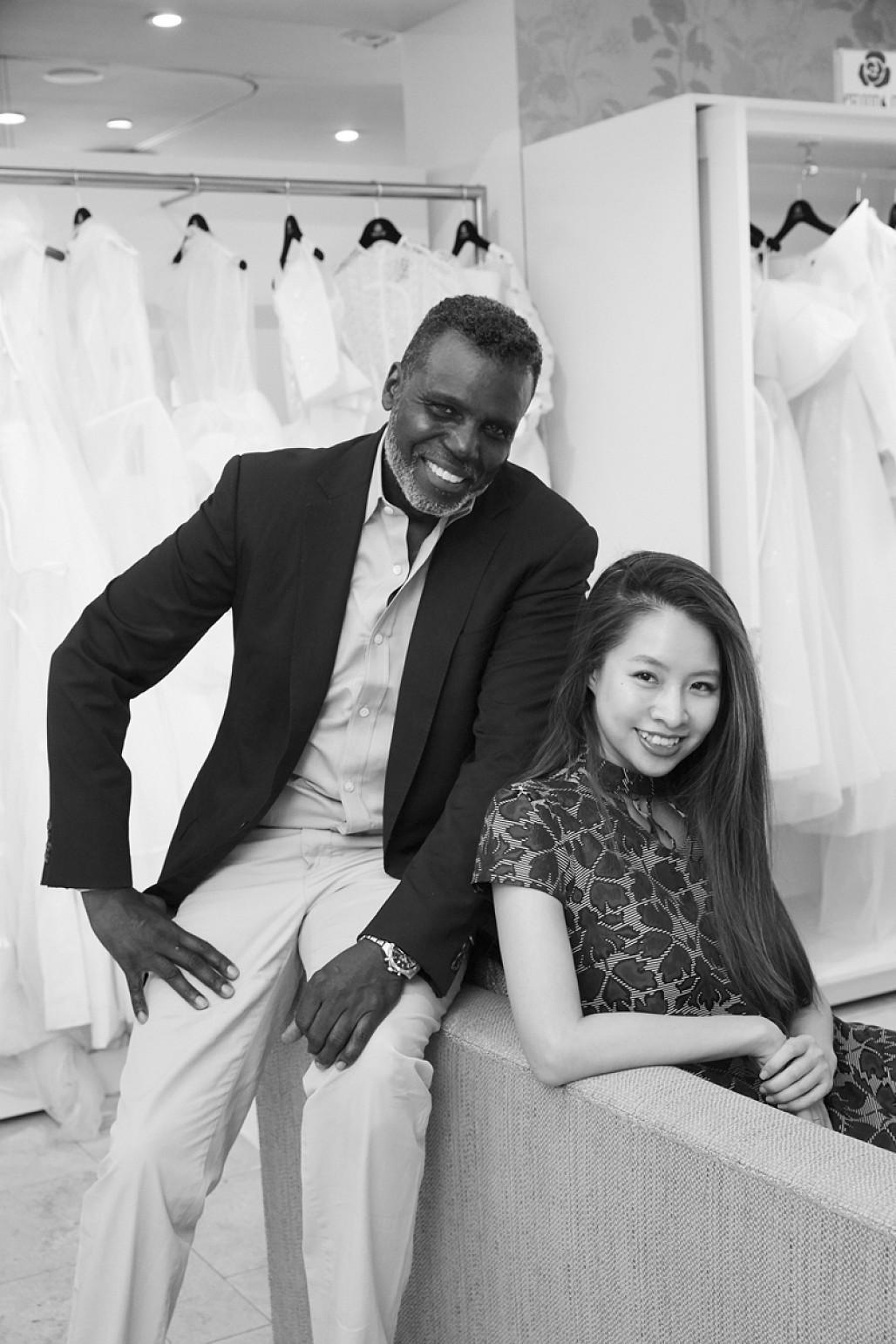PHUONG MY Bridal tại cửa hàng đồ cưới New York