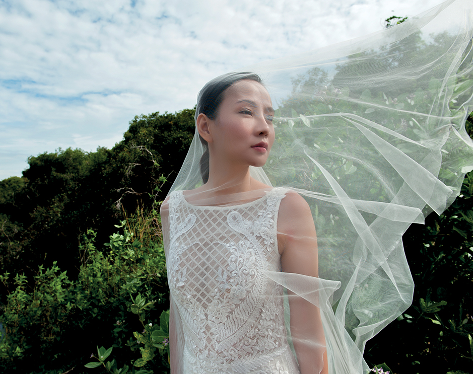 Thiết kế thời trang cưới bằng ren và voan của NTK Trương Thanh Hải