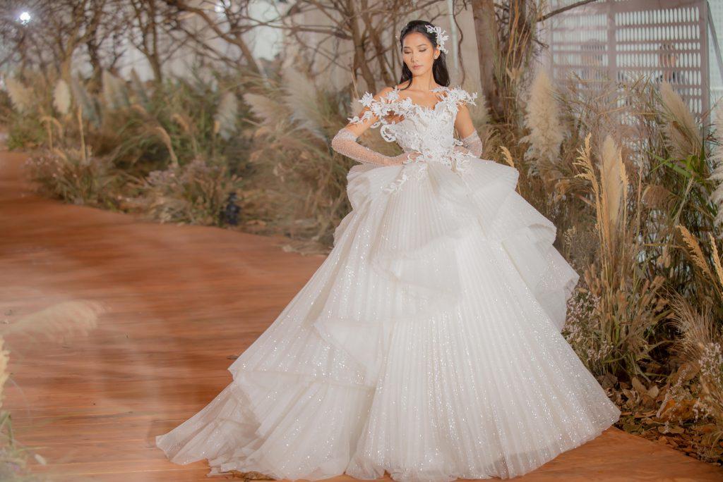 """Thiết kế thời trang cưới trong BST """"I AM SUNNY"""" của NTK Chung Thanh Phong"""