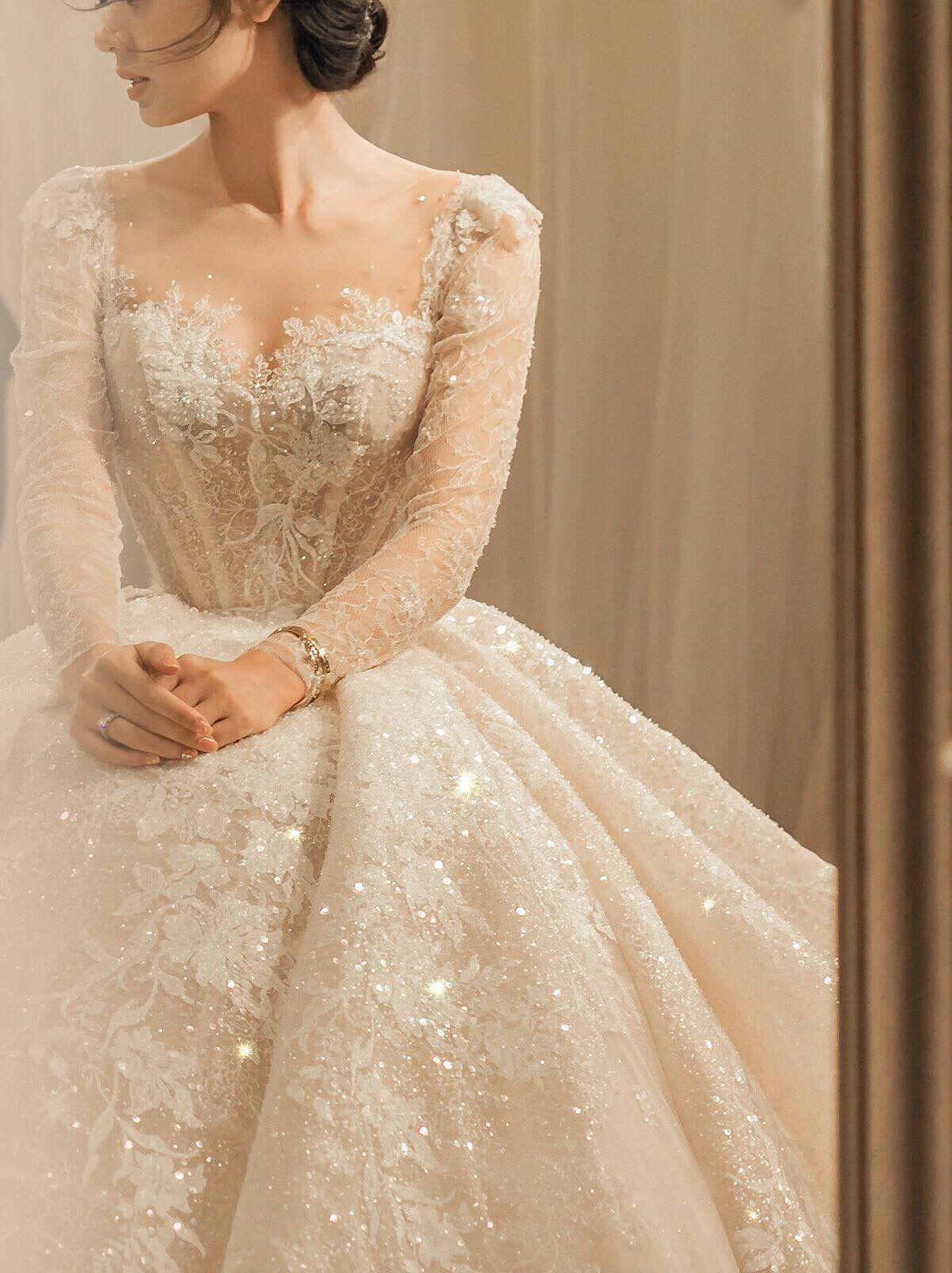 Thiết kế váy cưới trong BST Haute Couture 2019 của NTK Phương Linh