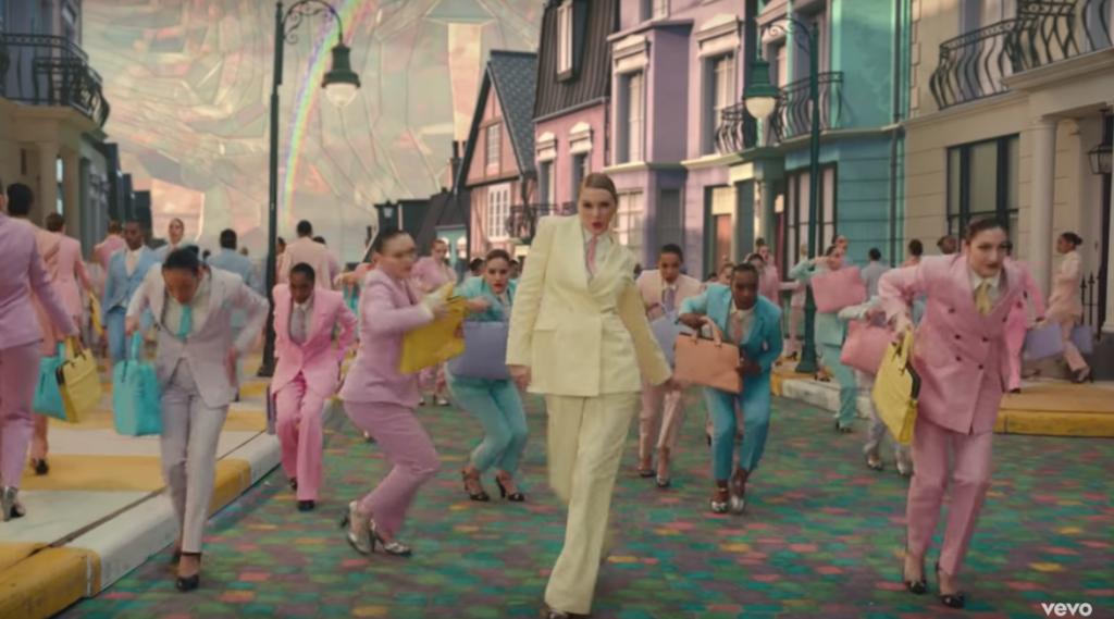 phong cách thời trang pastel của Taylor Swift