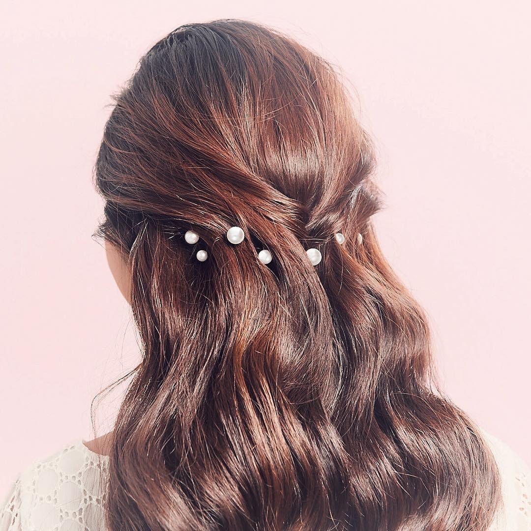 kẹp tóc ngọc trai tóc xoăn màu nâu