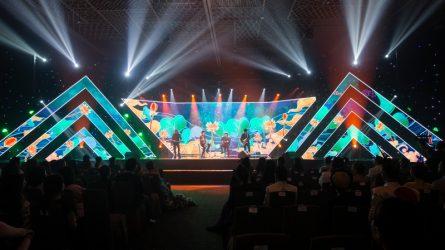 ELLE Style Awards 2019: Ai đã vẽ nên dáng hình đất nước?